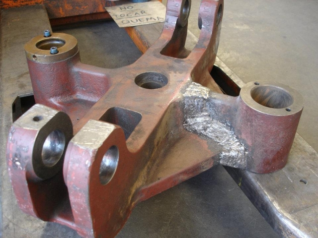Pieza de hierro fundido reparada