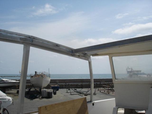 Renovación carpintería aluminio en barco de recreo