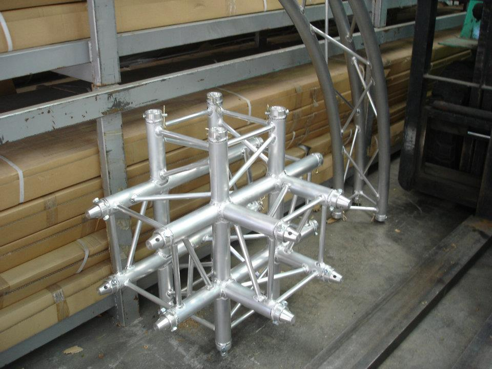 Unión de trusses aluminio