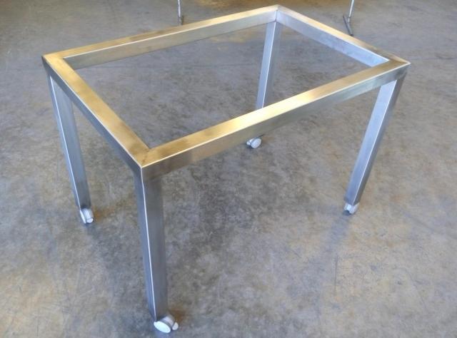 Estructura mesa en acero inoxidable acabado satinado