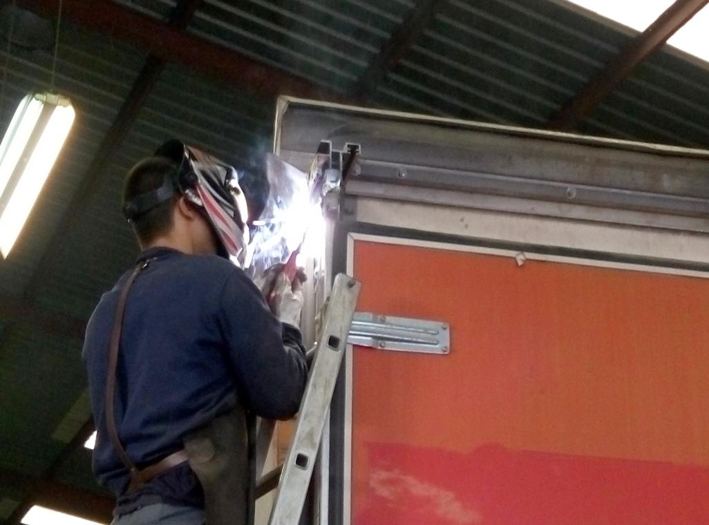 eparación de caja camión